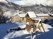 castello-gioco-giardino-neve